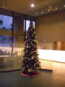 関西(大阪)のレンタル観葉植物_3_大型のクリスマスツリーレンタル